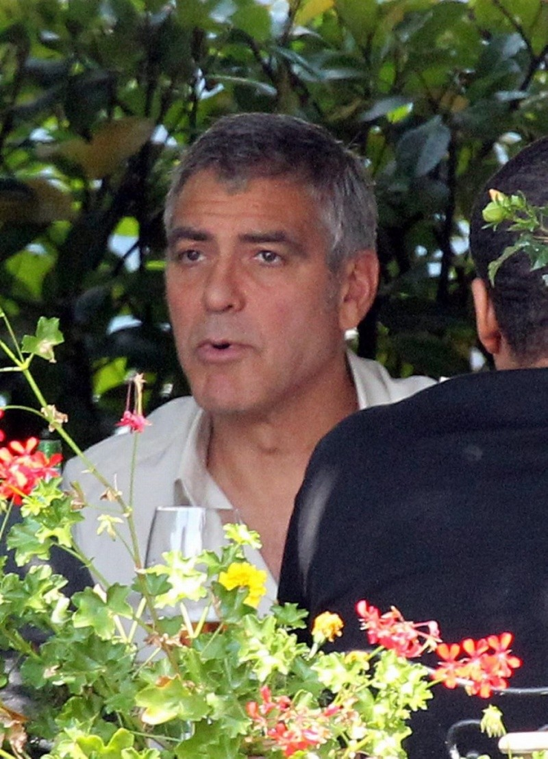 George Clooney Seen Smiling After Stacy Keibler Split--Just Jared - Page 2 00410