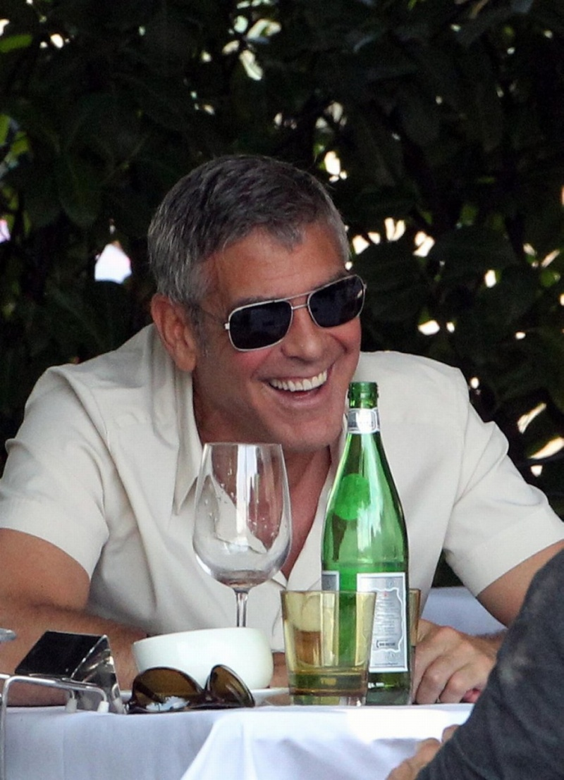 George Clooney Seen Smiling After Stacy Keibler Split--Just Jared - Page 2 00510