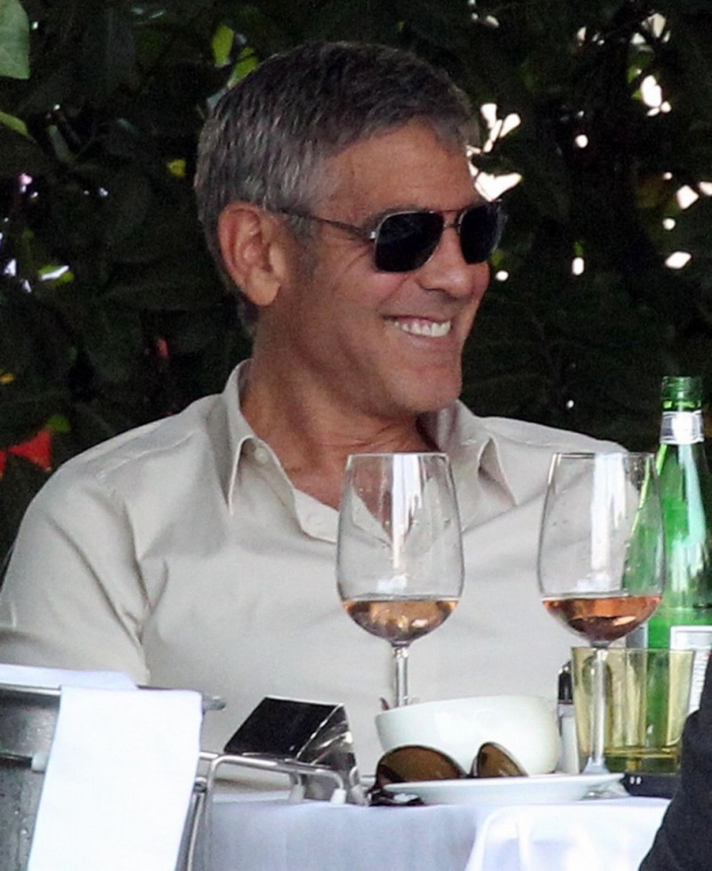 George Clooney Seen Smiling After Stacy Keibler Split--Just Jared - Page 2 00710