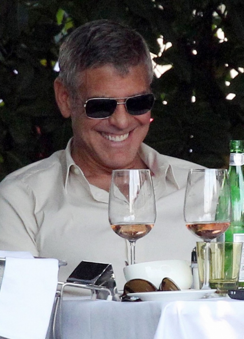 George Clooney Seen Smiling After Stacy Keibler Split--Just Jared - Page 2 00810