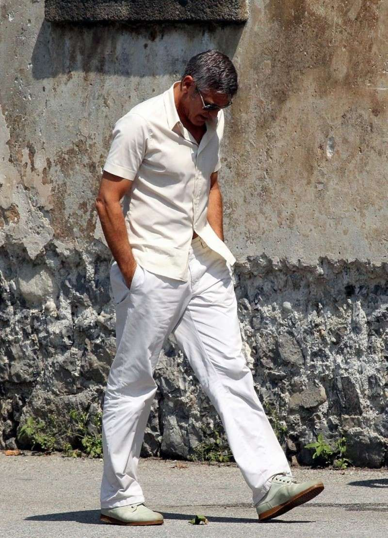 George Clooney Seen Smiling After Stacy Keibler Split--Just Jared - Page 2 01010