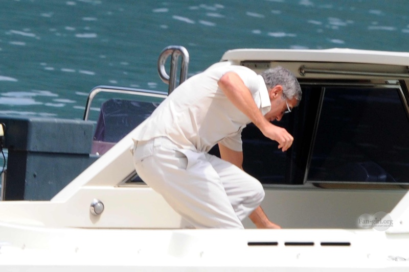 George Clooney Seen Smiling After Stacy Keibler Split--Just Jared - Page 2 02011