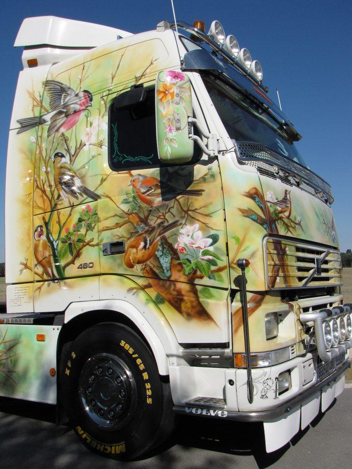 camions decorés  22381610