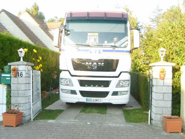 camions decorés  - Page 3 23760311