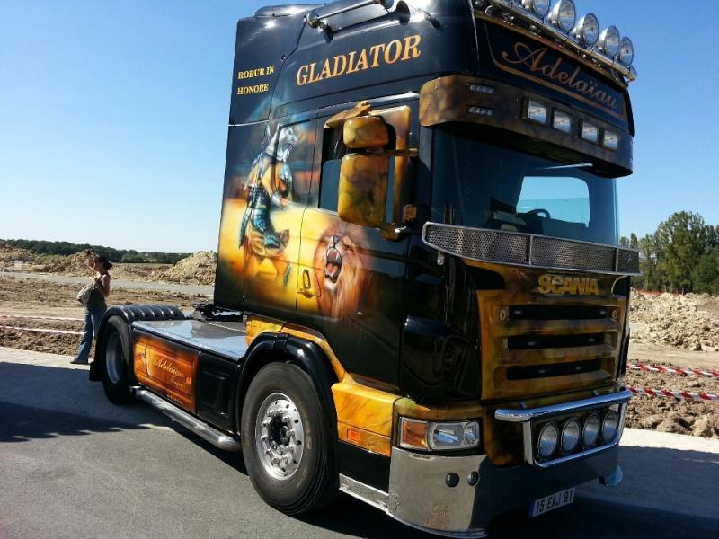 camions decorés  30351710