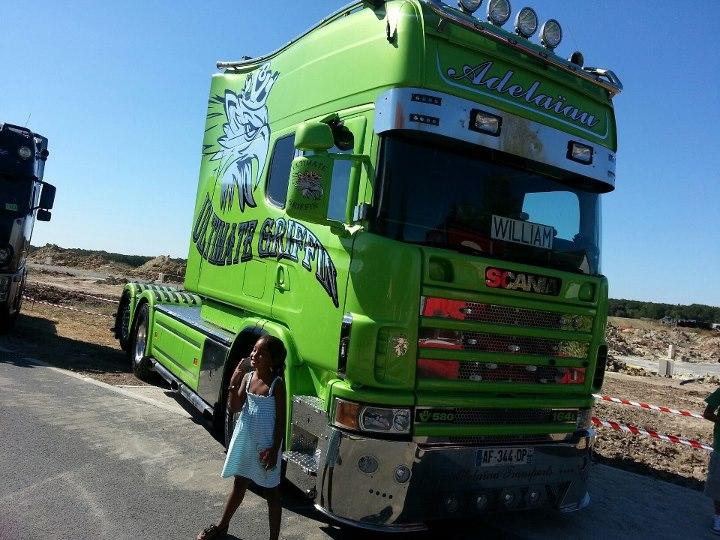 camions decorés  52711310