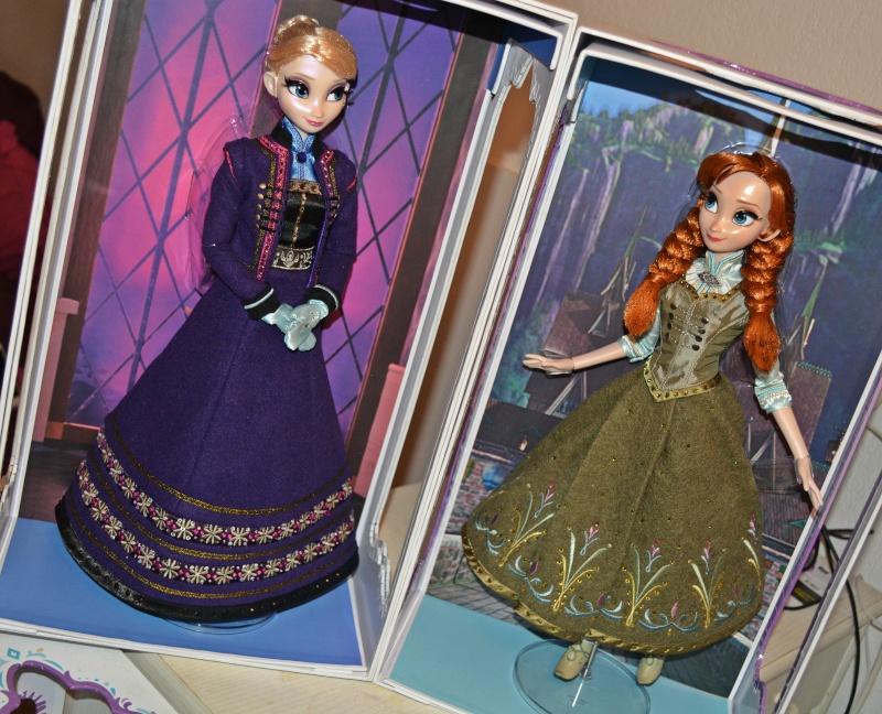 Disney Store Poupées Limited Edition 17'' (depuis 2009) - Page 6 Dsc_0311