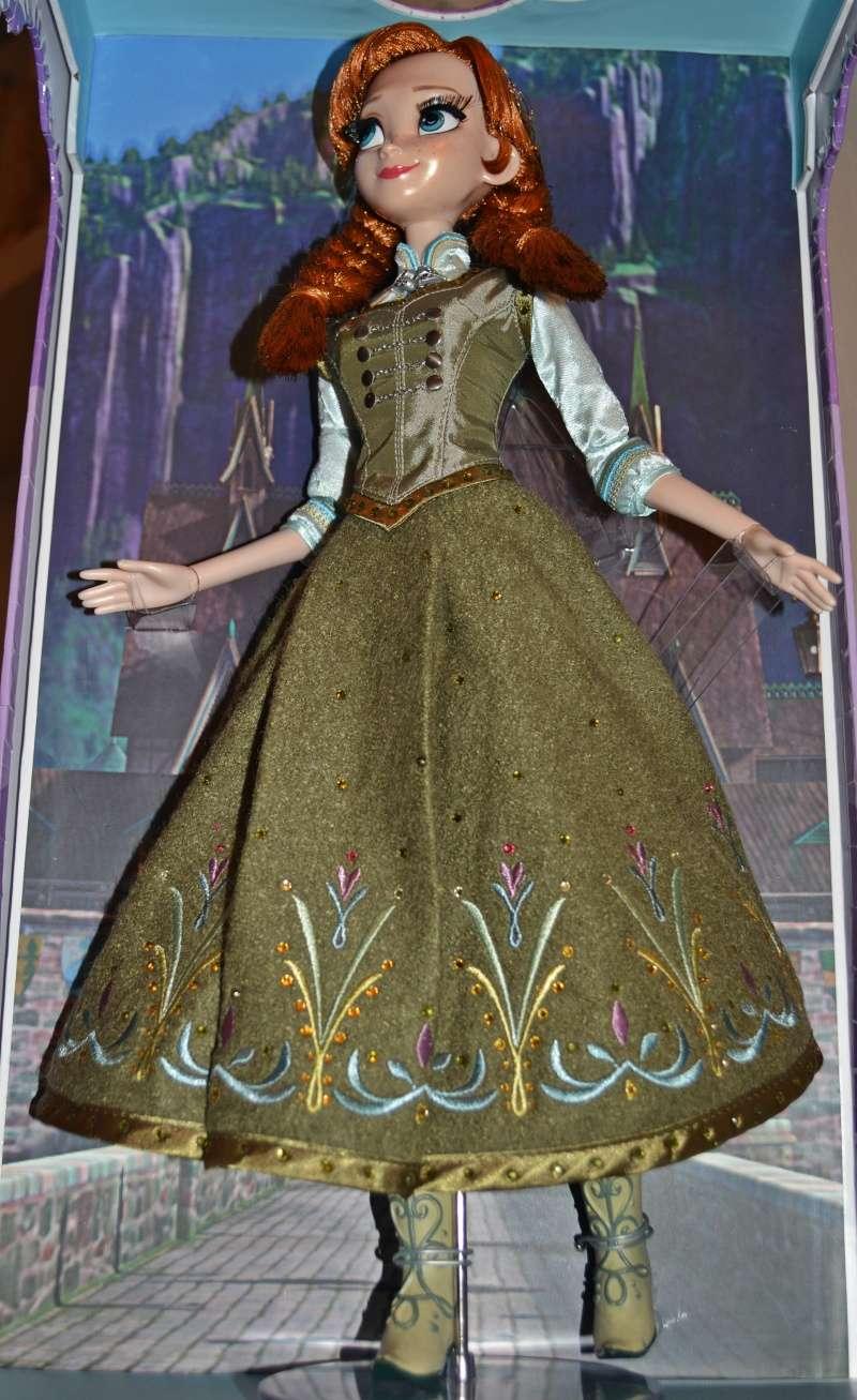 Disney Store Poupées Limited Edition 17'' (depuis 2009) - Page 6 Dsc_0312