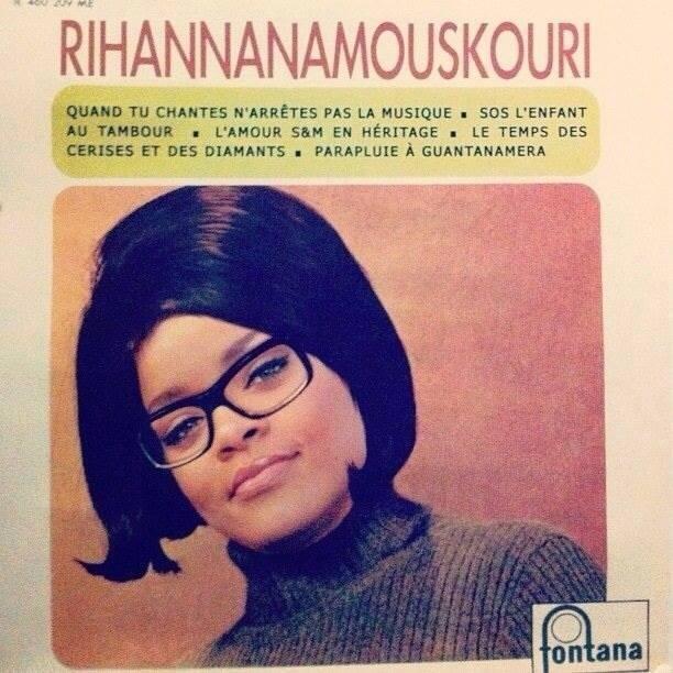 Humour - Page 40 Rihana10