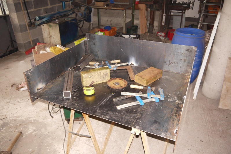 [Construction] Ma forge à charbon P1040425
