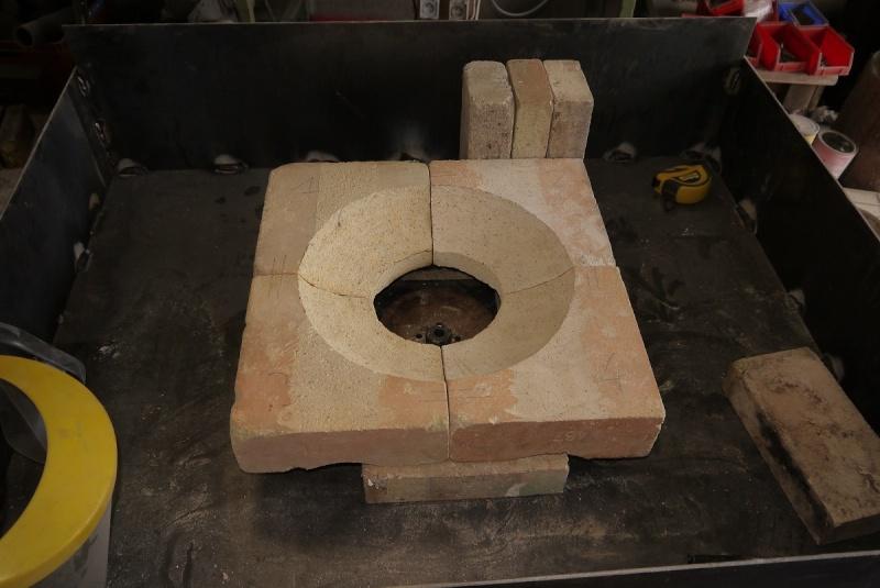 [Construction] Ma forge à charbon - Page 2 P1040553