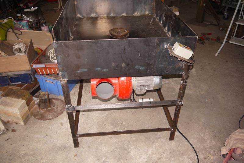 [Construction] Ma forge à charbon - Page 2 P1040624