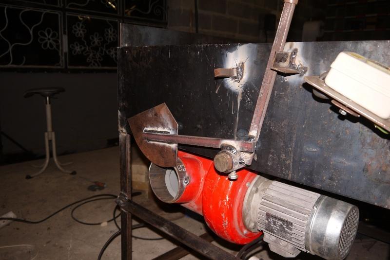 [Construction] Ma forge à charbon - Page 2 P1040628