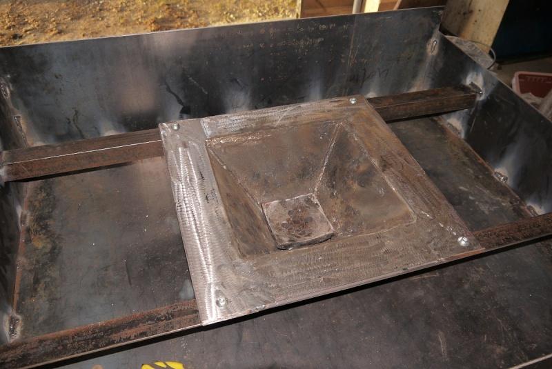 [Construction] Ma forge à charbon - Page 3 P1040633