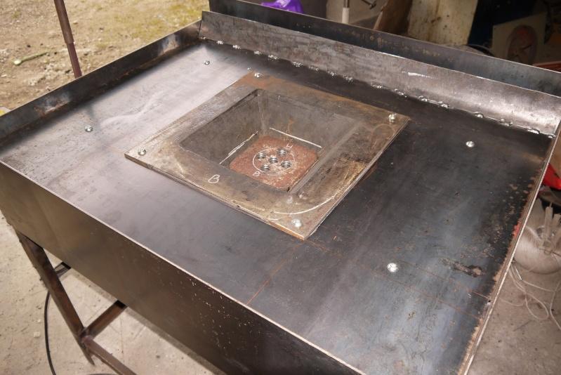 [Construction] Ma forge à charbon - Page 4 P1040640