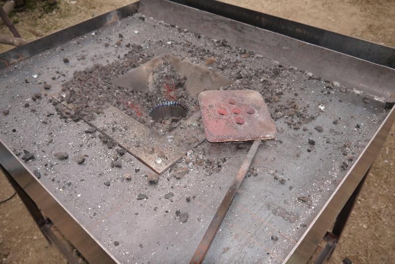 [Construction] Ma forge à charbon - Page 4 P1040643