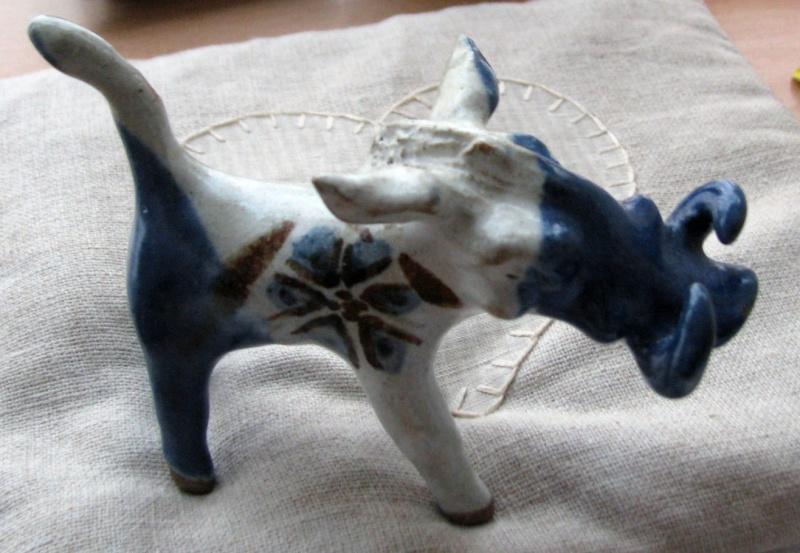 Miniature Stylised Boars - possibly Kolonyama Pottery, Lesotho Tusker10
