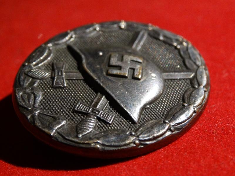 Collection Allemande WW2 / Décorations et Equipements Dsc00819