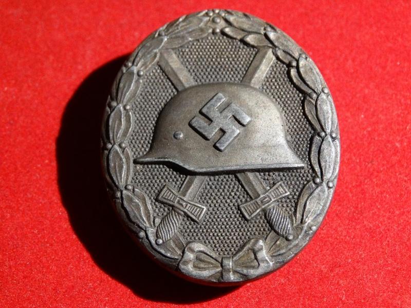 Collection Allemande WW2 / Décorations et Equipements Dsc00820