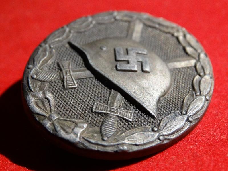 Collection Allemande WW2 / Décorations et Equipements Dsc00823