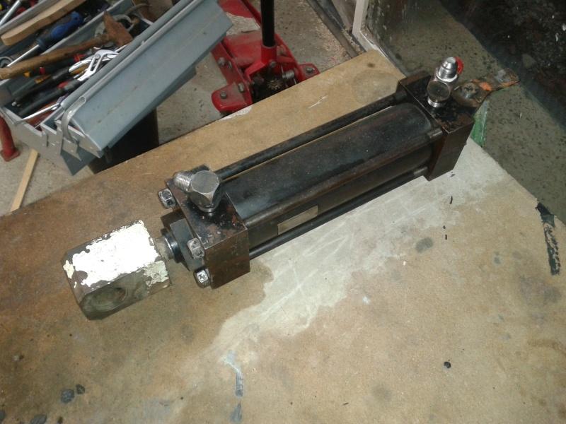 besoin d'infos pour presse hydraulique - Page 2 2012-110