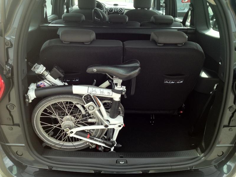 Mon B dans ma voiture Img_2610