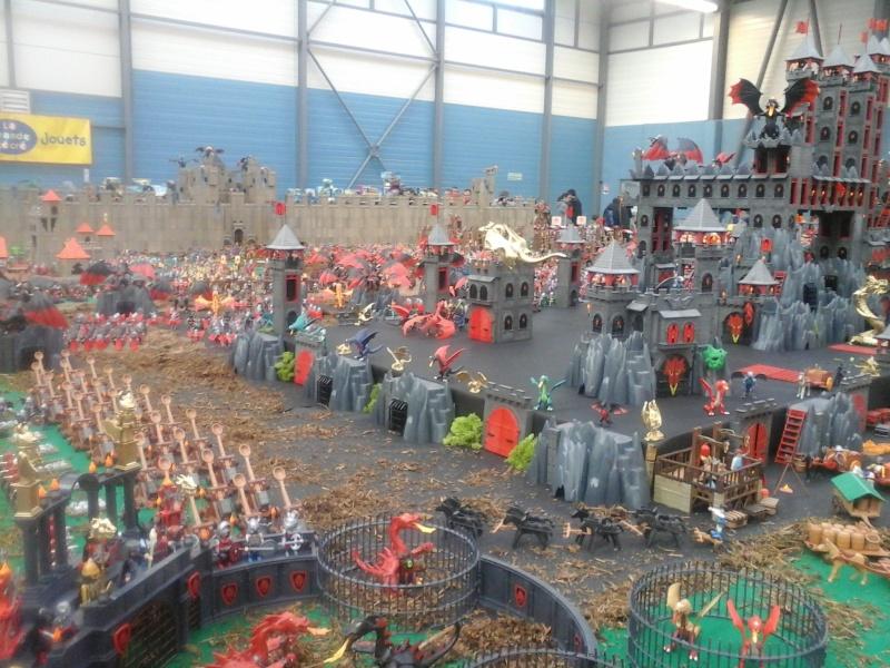 diorama geant playmobil medieval (st cyr en val) 20150110
