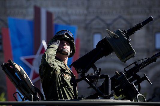 La guerre froide II? En Ukraine, c'est la guerre entre l'OTAN et la Russie  - Page 4 44211310