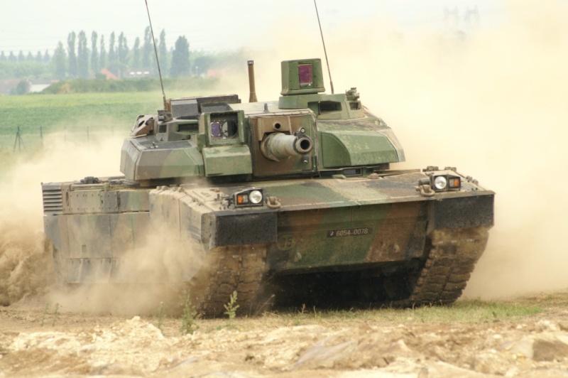 """Nouvelle version du """"Big tank""""... A suivre - Page 7 Lecler10"""