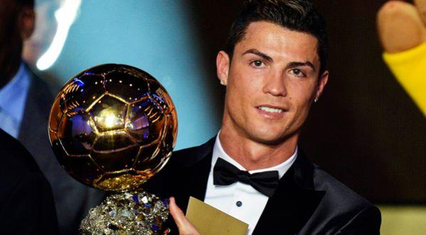 Cristiano Ronaldo remporte le Ballon d'Or pour la 3ème fois Sans_t10