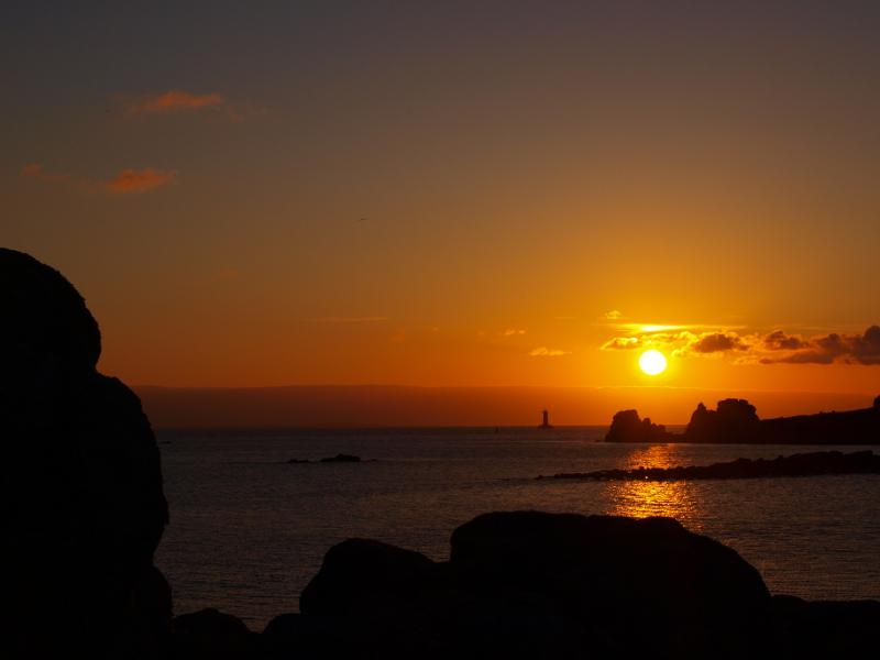 """Soleil couchant sur """"le phare du Four"""" Coucha10"""