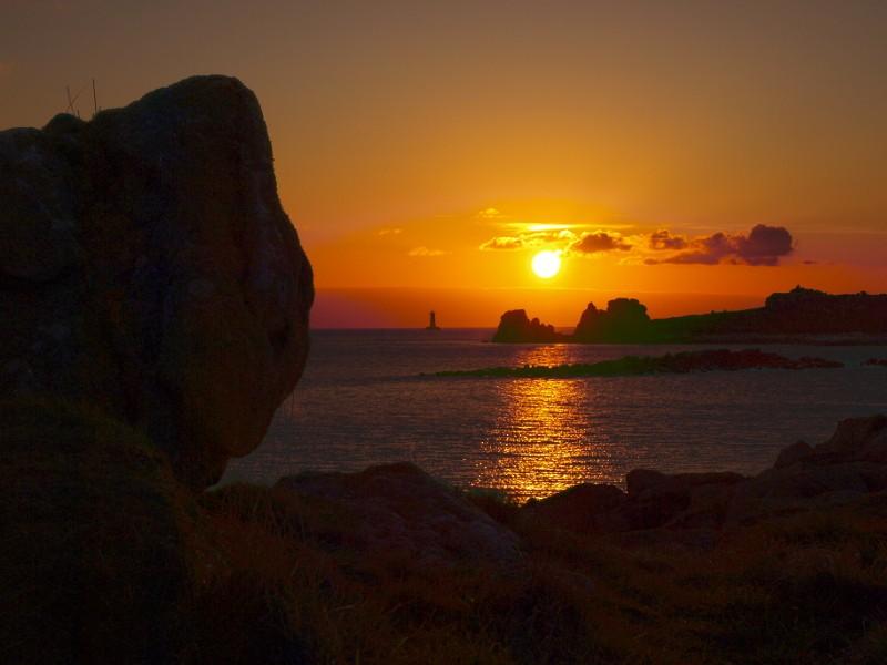 """Soleil couchant sur """"le phare du Four"""" Couche10"""