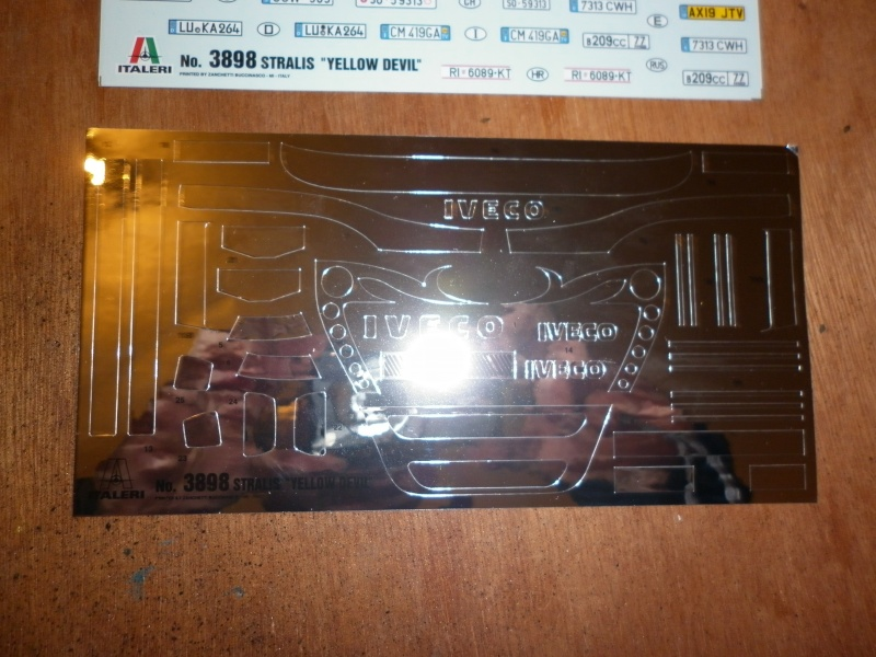 """MMaqtte camions IVECO STRALIS """"YELLOW DEVIL """" AU 1/24 DE CHEZ ITALERI  P1000544"""