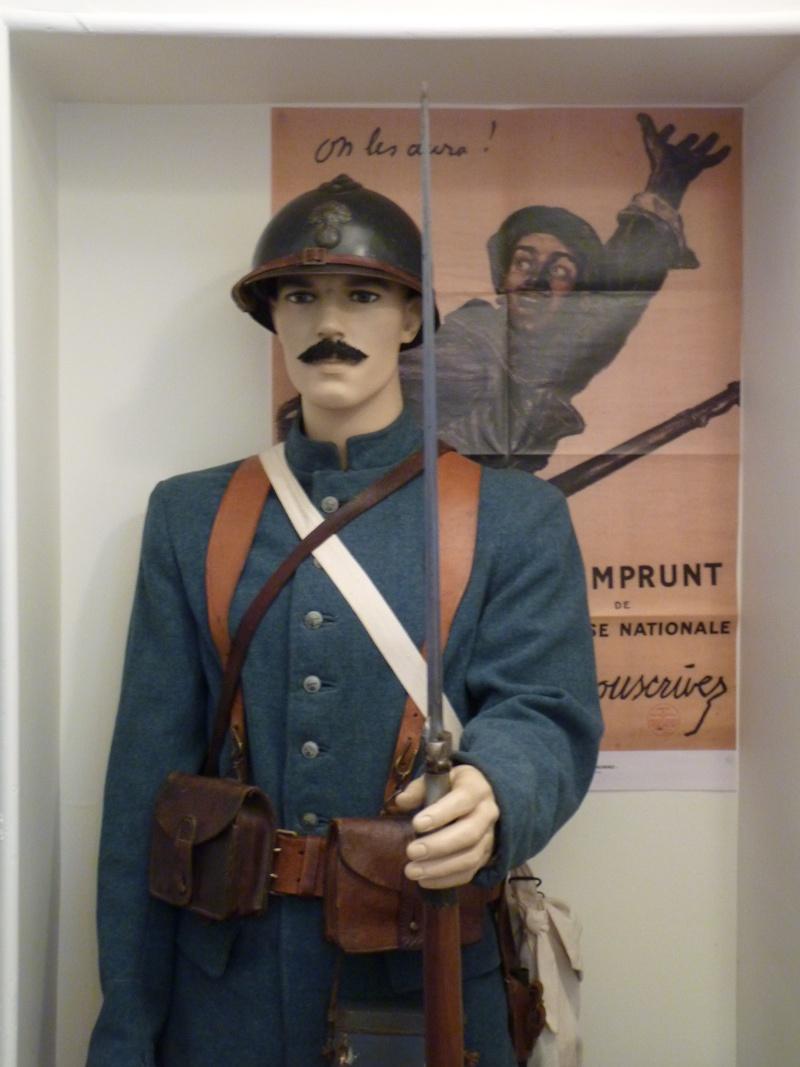 Autour d'une arme ... l'uniforme et l'équipement : quelques exemples P1250712