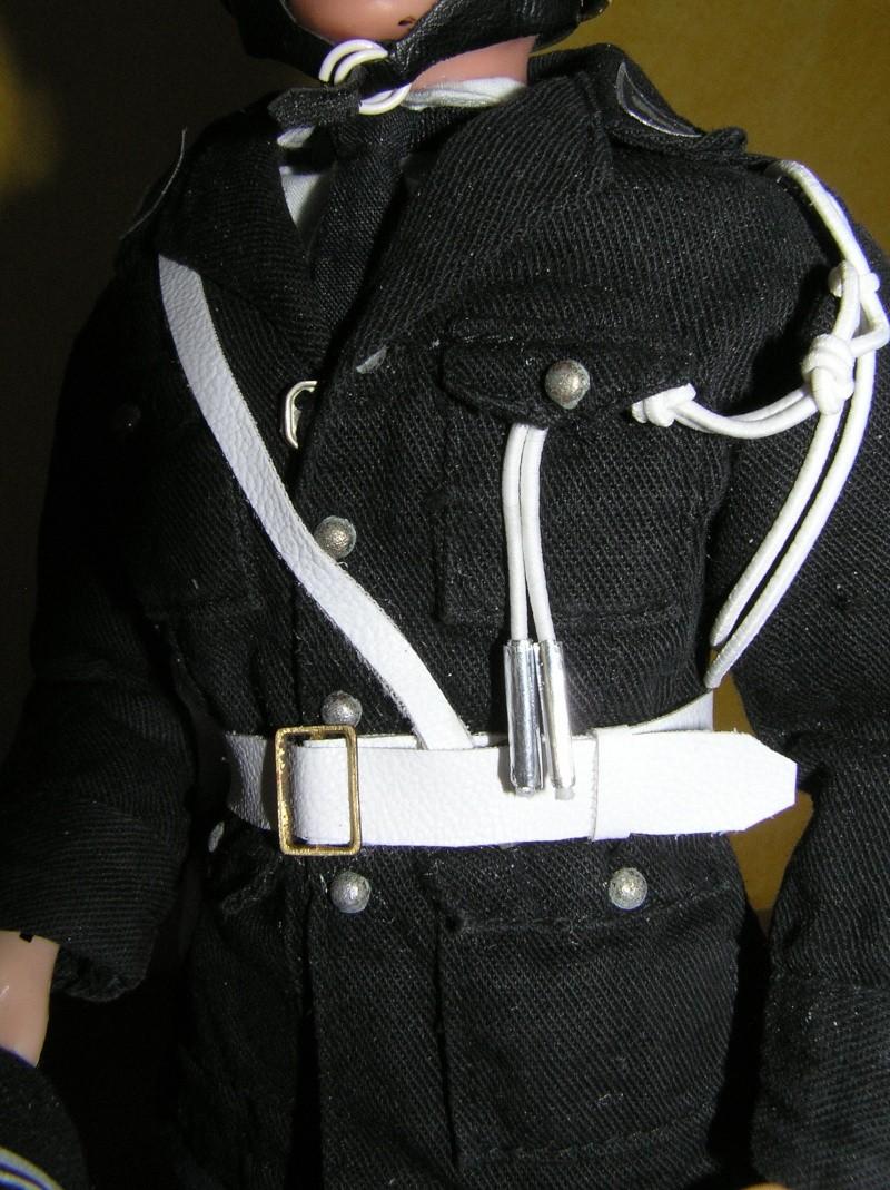 Attention Gendarmerie Nationale! Vos papiers s'il vous plait ! P1010030