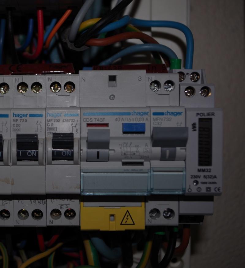 Borne Hager XEV100 branchée en monophasé Borneh11