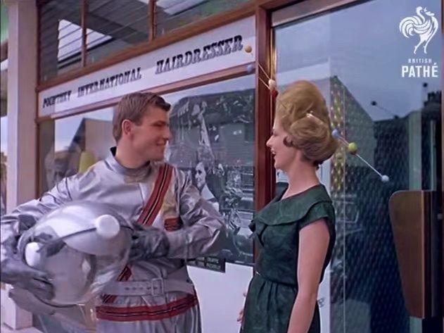 Space Age Hair Fashions (British Pate, 1960s) 10259910