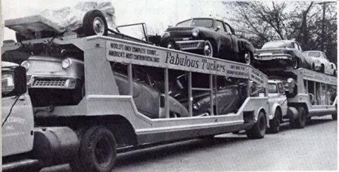 Transport de véhicules. 10891910
