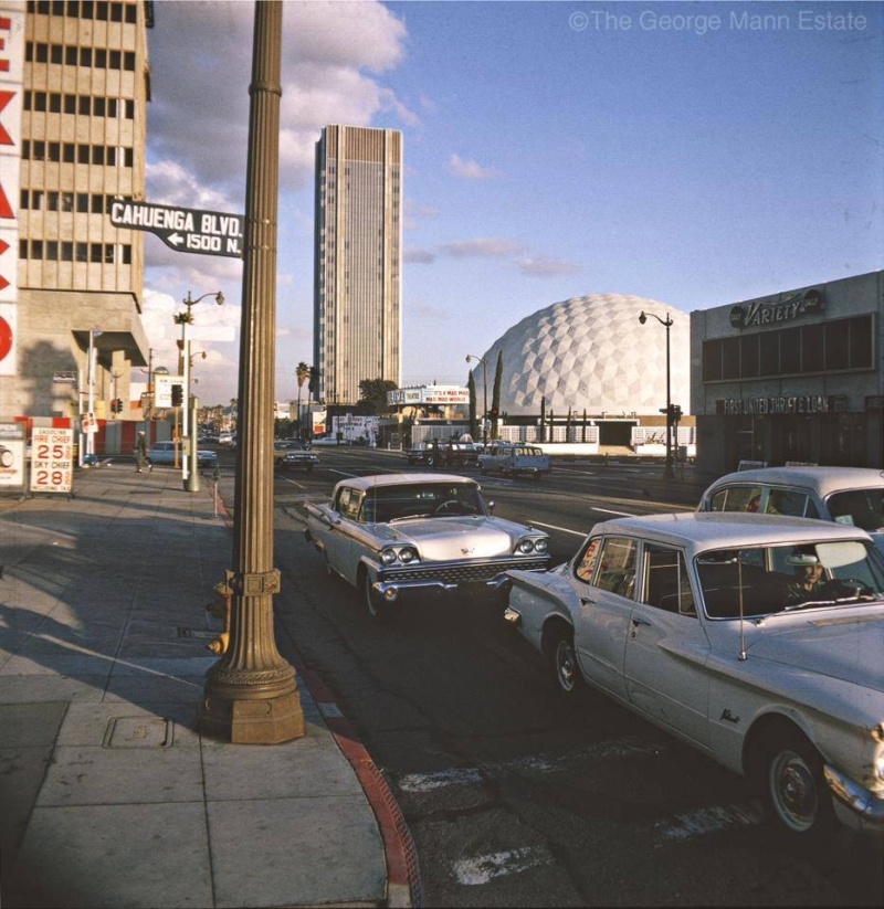 Rues fifties et sixties avec autos - 1950's & 1960's streets with cars - Page 4 15054410