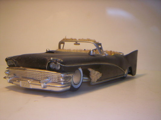 Vintage built automobile model kit survivor - Hot rod et Custom car maquettes montées anciennes - Page 2 40706620