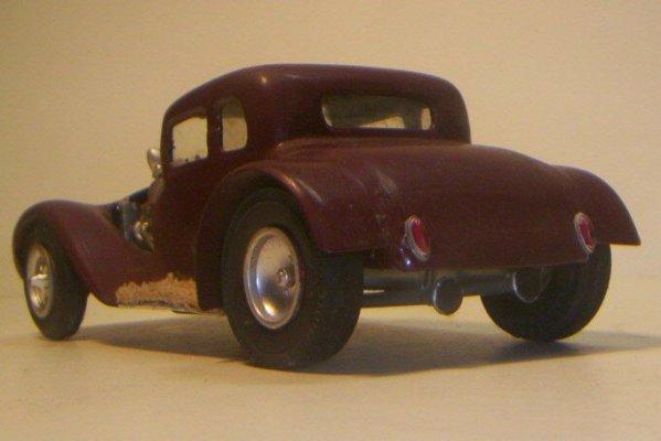 Vintage built automobile model kit survivor - Hot rod et Custom car maquettes montées anciennes - Page 2 40706628