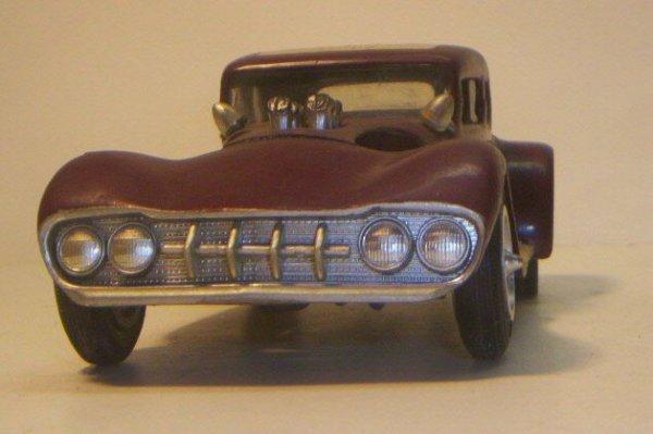 Vintage built automobile model kit survivor - Hot rod et Custom car maquettes montées anciennes - Page 2 40706629
