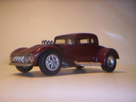 Vintage built automobile model kit survivor - Hot rod et Custom car maquettes montées anciennes - Page 2 40706630