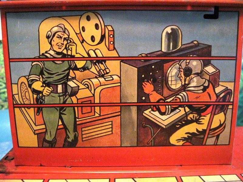 Jouets Spaciaux - Sci-Fi Toys Close_10