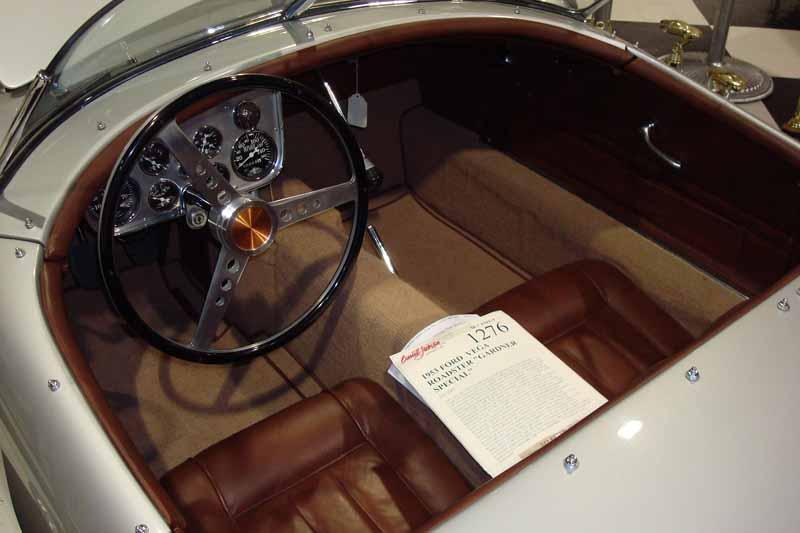 1953 Ford Vega Roadster Dsc00111