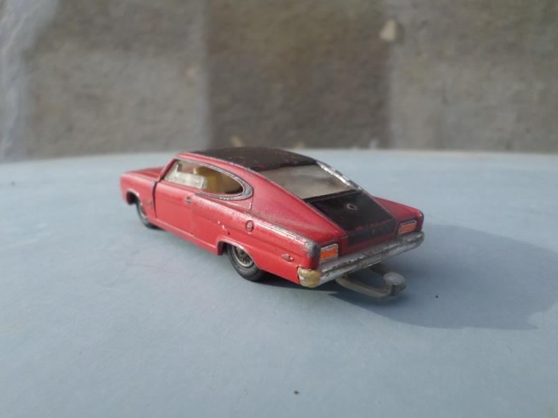 Classics Cars Corgi 1/43 scale Sam_1726