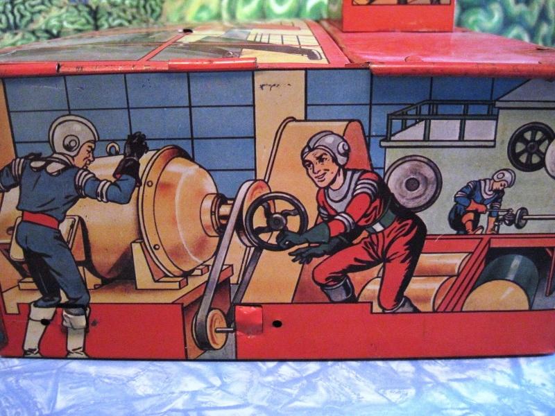 Jouets Spaciaux - Sci-Fi Toys Side_p11