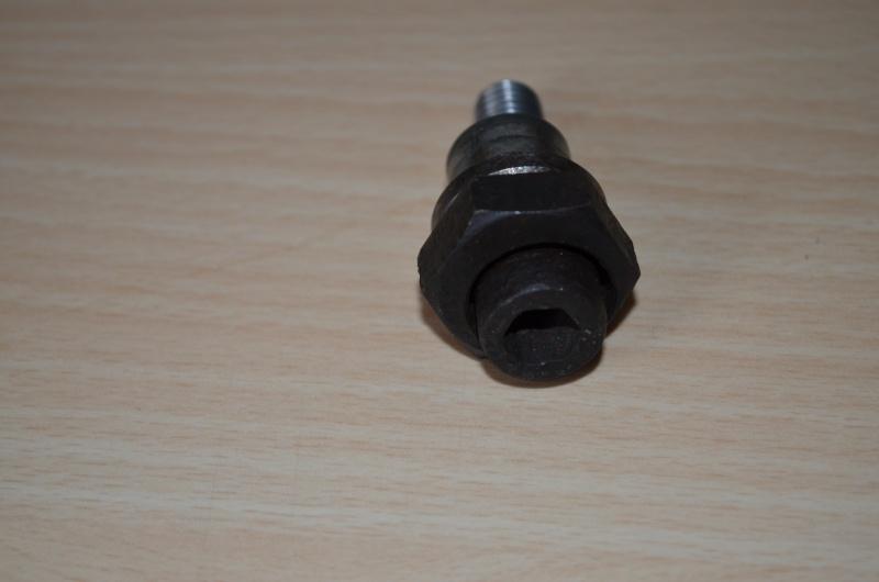 vis de galet tendeur de courroie pour S2 Td 1993 Dsc_0018