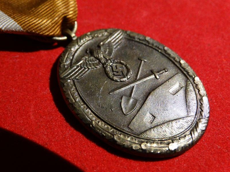 Collection Allemande WW2 / Décorations et Equipements Dsc00838