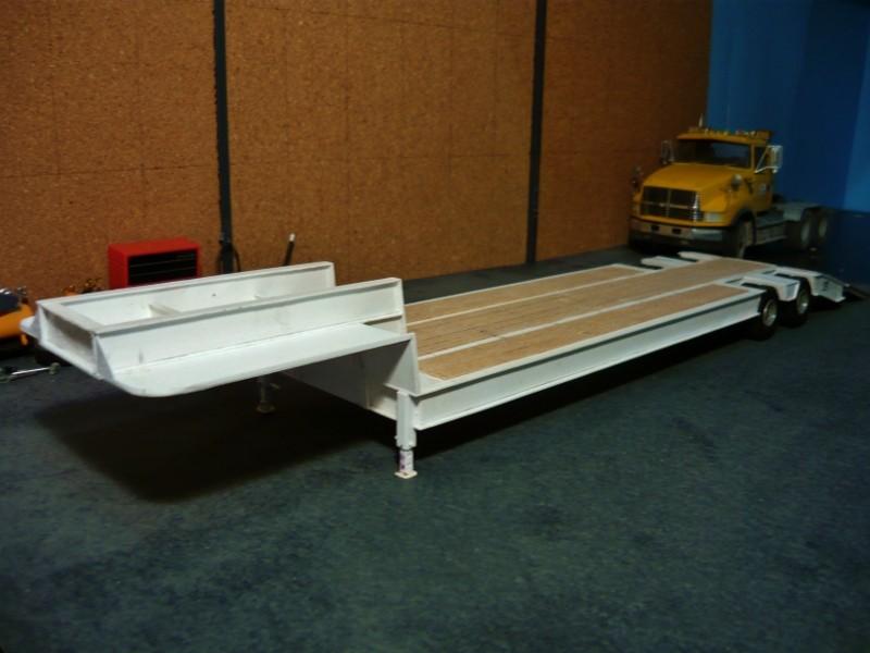 Ford  Aeromax avec fardier 35 tonnes - Page 3 P1130010